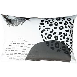 KMCT collection Outdoor sierkussen 50 x 30 dots and stripes safari rounds